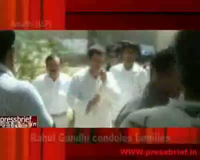 Rahul Gandhi condoles families in Amethi 12 May 2010