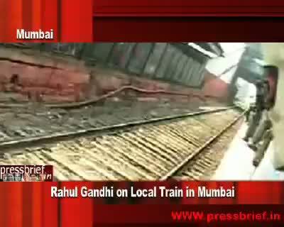 Rahul Gandhi on Local Train in  Mumbai,5th February 2010