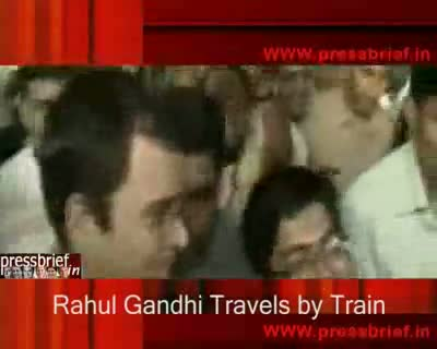 Rahul Gandhi Travels by Train 15th Sep 2009