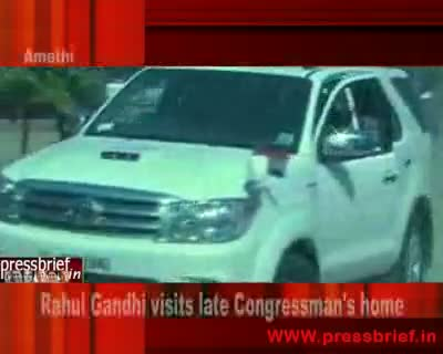 Rahul Gandhi visits late Congressman home.27th March 2010