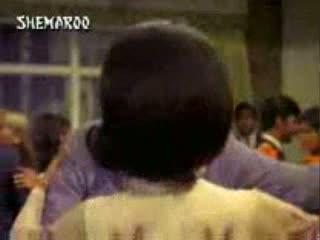 Bhaware ki gunjan video song from the movie  Kal Aaj Aur Kal