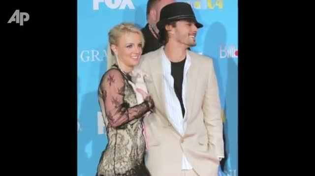 Britney Spears Gets Engaged
