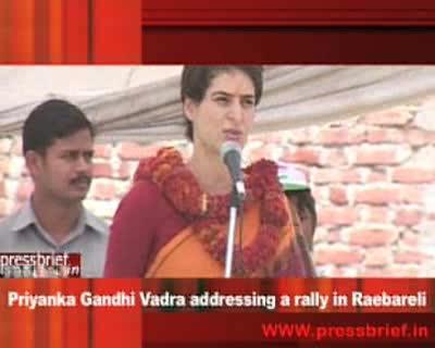 Priyanka Gandhi addressing a rally in Raebareli_23 April 2009