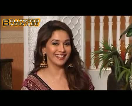 Kangana Ranaut & Madhuri Dixit's dance in DEDH ISHQIYA