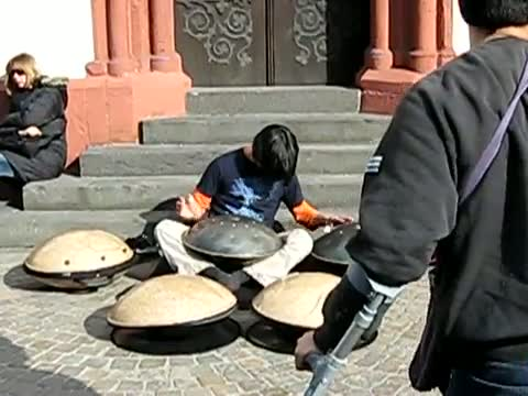 WOW!! Great Street Musician