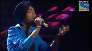 INDIAN IDOL SEASON 6 - EPISODE 25 - BEST PERFORMANCES - DEVENDRA SINGH SINGS 'APNE TOH APNE HAI' - 24TH AUGUST 2012