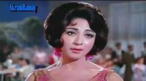 Gairon Pe Karam Apnon Pe Sitam - Aankhen (1968) Lata Mangeshkar