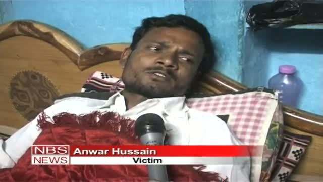 Police beats man for asking question to CM in Raipur