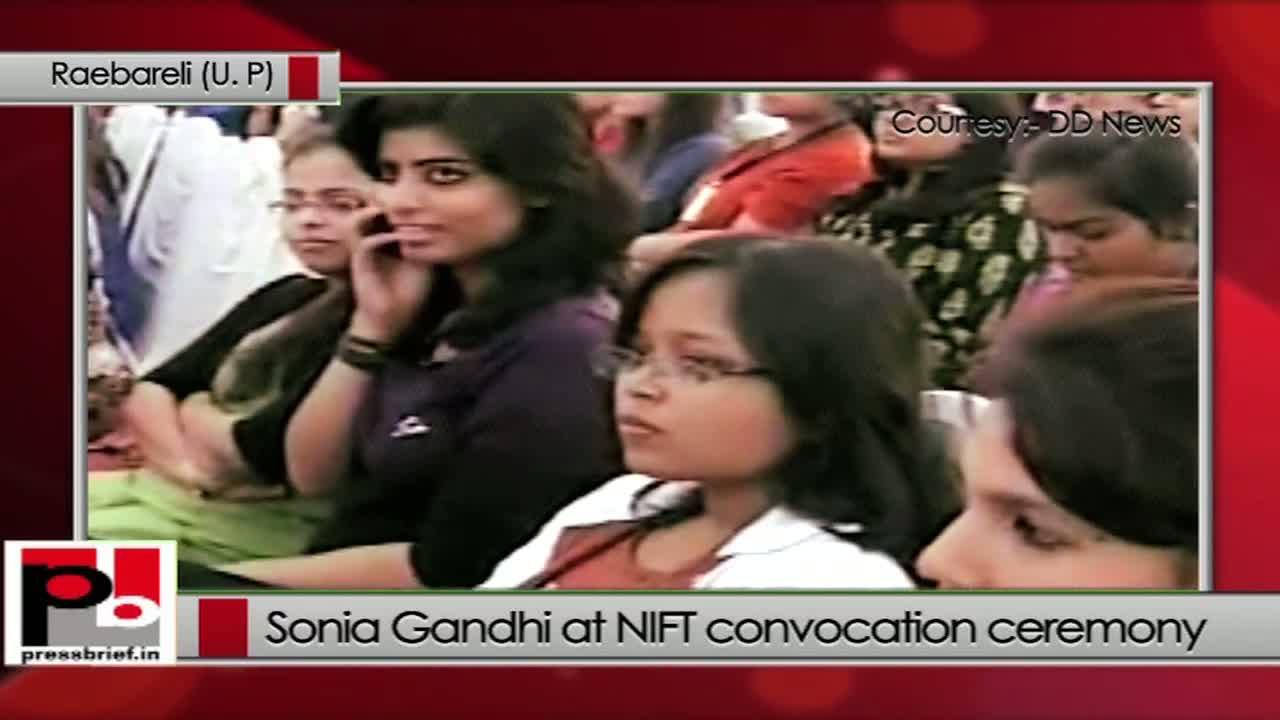 Sonia Gandhi at NIFT, Raebareli recalls Indira Gandhi's elegance in dressing