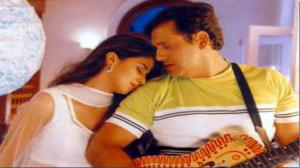 Hum Tumpe Marte Hain Title Song HD Ft.Govinda, Urmila Matondkar, Lata Mangeshkar, Udit Narayan