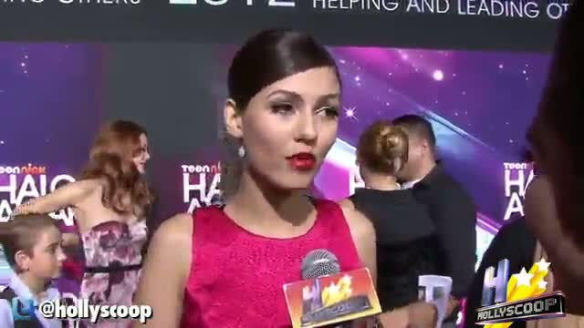 Victoria Justice Turns 20: No Drivers License & Lives With Parents