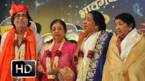 Priceless: Lata Mangeshkar Honours Asha Bhosle
