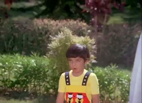 Daddy Tum Aunty Se Pyar Karte Ho - R.D Burman Song - Mithun Chakraborty - Aamne Samne