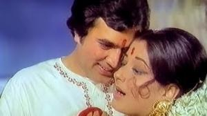 Hum Tum Gum Sum Raat - Classic Romantic Hindi Song - Rajesh Khanna, Moushumi Chatterjee -- Humshakal