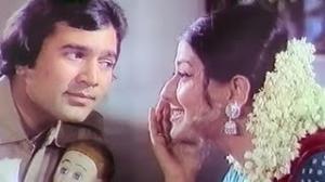 Main Tumko Doongi Saiyan - Superhit Fun Hindi Song - Rajesh Khanna, Moushumi Chatterjee - Humshakal