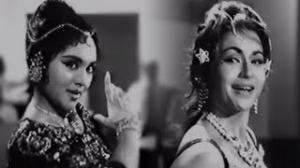 Aayi Hai Dilruba Are Tujh Ko Kya - Ultimate Dance Competition - Vyjayanthimala, Helen - Dr. Vidya (1962)