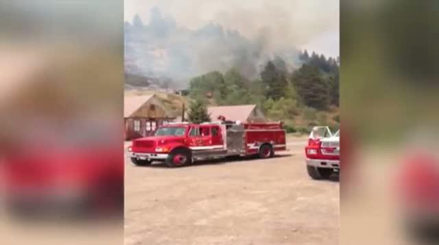 Airplanes Drop Retardant on Idaho Wildfire