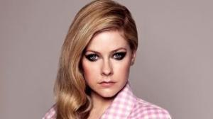 Avril Lavigne Goes Glam