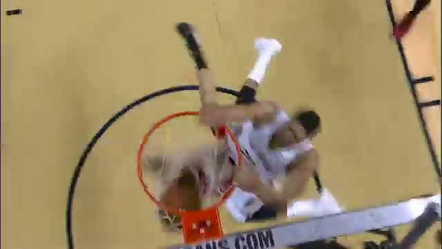NBA: Anthony Davis Swoops in to Throw Down the Monster Oop