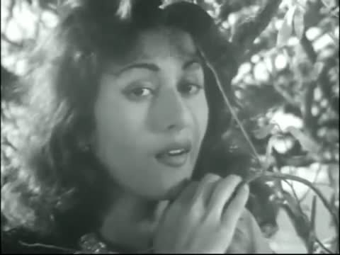 Yun Chup Chup Ke - Superhit Classic Romantic Hindi Song - Madhubala, Dilip Kumar - Tarana (1951)
