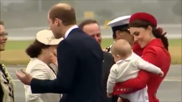 Prince William, Duchess Kate & Prince George charm New Zealand