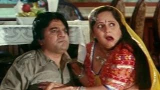 Basanti caught romancing a servant - Humein Tumse Pyar Ho Gaya Chupke Chupke