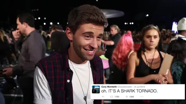 Famous Last Words or Famous Tweet on MTV VMA Carpet