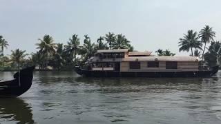 Kerala backwaters | Houseboating in Kerala | Kerala Travel Guide