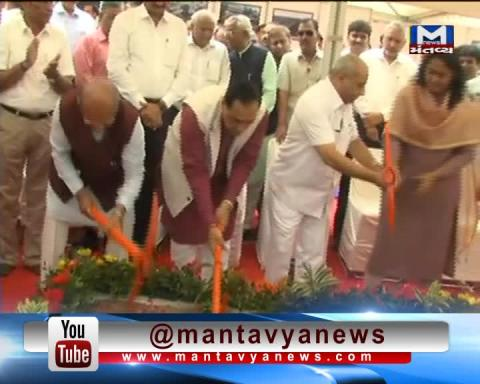 Gandhinagar: CM Vijay Rupani lays foundation stone of 6 Flyovers & Elevated Corridor