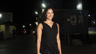 Niharica Raizada Spotted At Juhu PVR Watch Video