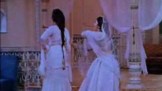 Mere Mehboob Mein Kya Nahin Kya Nahin - Mere Mehboob(1963) - Lata Mangeshkar, Asha Bhonsle - {Old Is Gold}