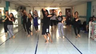 Nagada Sang Dhol Baaje (Learn Dance Steps) rehearsal for a show in Cali, Colombia Devesh Mirchandani