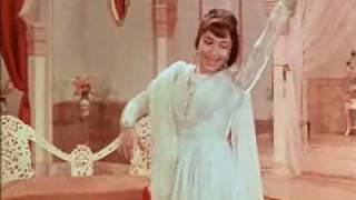 Paas Rehte Hue Bhi Tujhse Bahut Door hain - Mere Mehboob(1963) - Lata Mangeshkar - {Old Is Gold}