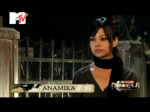 MTV Roadies Season 8 Graveyard 14 Episode 40 - Anamika And Raghu