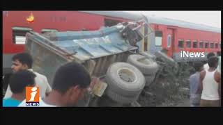 Another Train mishap In UP | Kaifiyat Express Train Mishap | 70 Above Injured | iNews