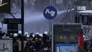 Raw- Anti-IS Protesters Disrupt Brussels Square News Video