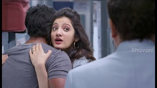 Sunil And Richa Panai Hilarious Comedy In Train - Eedu Gold Ehe Movie Scenes