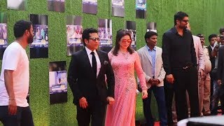 Sachin Tendulkar's GRAND ENTRY At Sachin A Billion Dreams Premiere In Mumbai