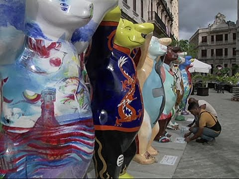 Raw- Bear Sculptures Promote Tolerance in Havana News Video