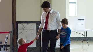 Justin Trudeau casts ballot in Montreal with his family