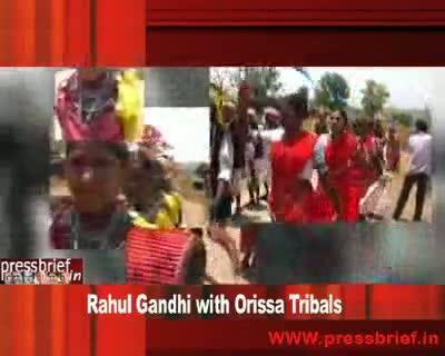 Rahul Gandhi with Orissa Tribals