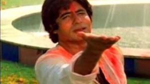 Rang Barse Bheege Chunar Wali Rang Barse (Holi Song) - SILSILA - Amitabh Bacchan