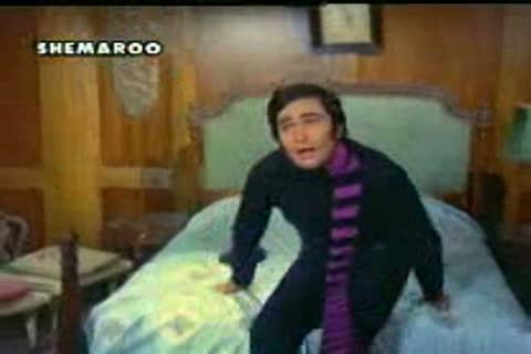 Hum tum ek kamre mein band ho Aur chaabi kho jaaye video song from the movie bobby