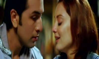 Ahista Ahista ( Mujhe Ho Gaya Hai Pyaar) - Bachna Ae Haseeno