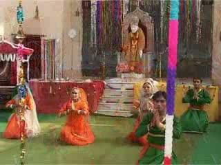 Nach Lende Nande Lende Baba Ke Dware Mujhe Nach Lende - (Sai Baba Bhajan) - Hamsar Hayad