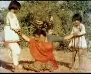 Lata - Nagri Nagri Dware Dware - Mother India 1957 Video