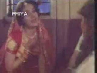 Saajan mera us paar hai video song from the movieGANGA JAMUNA SARSWATI