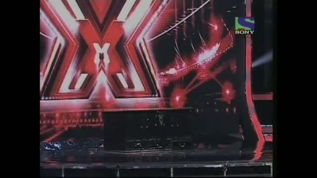 Bad Man Gulshan Grover makes a ransom demand- X Factor India - Episode 22 - 29th Jul 2011