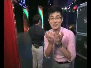 India's Got Talent Season 3 - Amit's hilarious singing act (5th-august-2011)