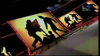 Seema Jha's patriotic act on Ae Mere Watan Ke Logo- X Factor India - Episode 27 - 13th Aug 2011